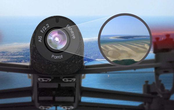 Avec sa stabilisation numérique, la caméra du Bebop de Parrot n'a pas besoin d'une nacelle pour produire une image débarrassée de secousses et de vibrations parasites.