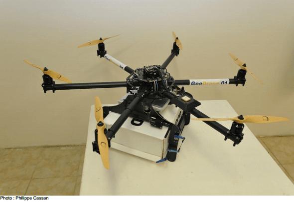 La Poste teste un drone de livraison