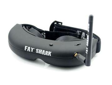 La marque la plus emblématique des pratiquants de vols en immersion est FatShark. Il existe de nombreux modèles de lunettes pour le FPV, mais leur prix est rarement inférieur à 250 €.