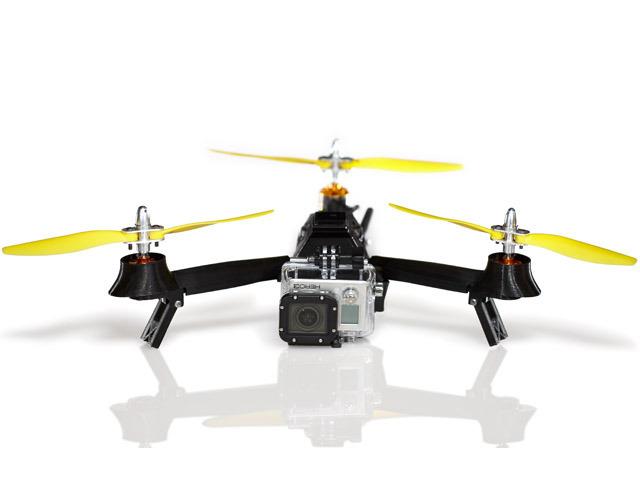 La Gopro 3 est sans doute la caméra la plus utilisée sur des drones, en raison de sa robustesse, sa facilité d'emploi et de ses belles images.